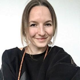 Yoga Düsseldorf, YogaKitchen, Vinyasa-Yoga-Lehrerin Anika Rath