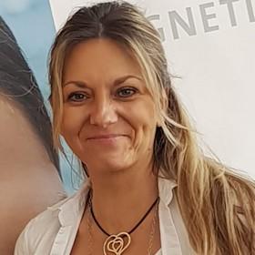 Yoga Düsseldorf, YogaKitchen, Vinyasa-Yogalehrerin Gabi Sieckendieck