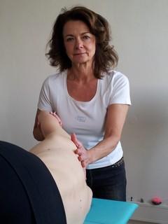 Ganzkörpermassagen nach Deiner individuellen Bedürfnislage in der YogaKitchen