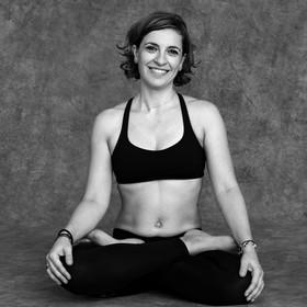 Yoga Düsseldorf, YogaKitchen, Yogalehrerin Glikeria Skreka