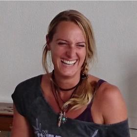 Yoga Düsseldorf, YogaKitchen, Yogalehrerin Jennifer Hößler