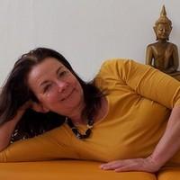 Karin Hoffmann (Masseurin und med. Bademeisterin): Ganzkörpermassage, Schwangerenmassage