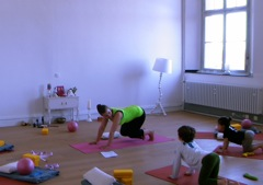Kinder Yoga in der YogaKitchen Düsseldorf (Oberkassel)