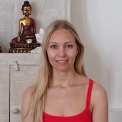 Yoga Düsseldorf, YogaKitchen, Vinyasa-Yogalehrerin Lidia Schwab