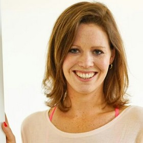 Yoga Düsseldorf, YogaKitchen, Vinyasa-Yoga-Lehrerin in Ausbildung Lisa Hammouda