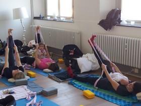 Yoga Düsseldorf, YogaKitchen, Mutter- und Kind-Yogakurse