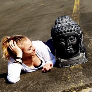 Yoga Düsseldorf, YogaKitchen, Gast-Yogalehrerin Nadine Stalpes