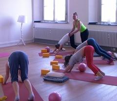 Yoga Kurse für Mädchen in der YogaKitchen Düsseldorf (Oberkassel)
