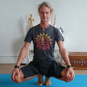 Yoga Düsseldorf, YogaKitchen, Gast-Yogalehrer Rainer Neyer