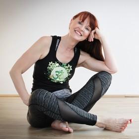 Yoga Düsseldorf, YogaKitchen, Vinyasa-Yogalehrerin Regina Thoede
