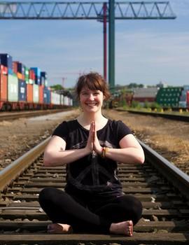 Yoga Düsseldorf, YogaKitchen, Gast-Yogalehrerin Sina Roosen
