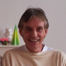 Yoga Düsseldorf, YogaKitchen, Hatha-Yogalehrer Dr. Ulrich Schott