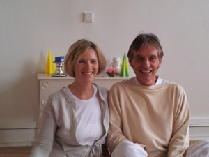 Yoga Düsseldorf, YogaKitchen, Yogalehrerin Gisele Wälter-Schott und Yogalehrer Ulrich Schott