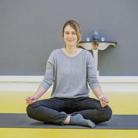 """Workshop """"Kiss your stress good-bye"""" mit Sandra Uhrig in der YogaKitchen in Düsseldorf (Oberkassel)"""