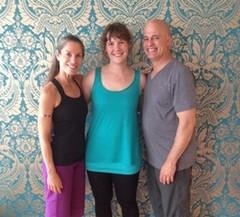 Yin-Yoga Ikonen Paul und Suzee Grilley mit Sina Roosen