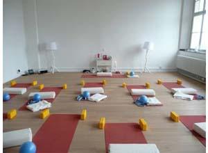Yoga Düsseldorf, YogaKitchen, Yoga Studio in Düsseldorf Oberkassel
