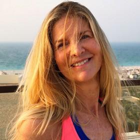 Yoga Düsseldorf, YogaKitchen, Hatha- und Vinyasa-Yoga-Lehrerin Yvette Hennemann